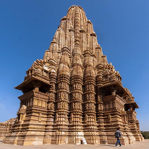 The Hindu Temple as a Model of Fractal Cosmology