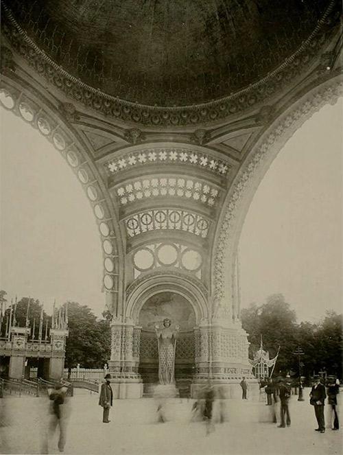 La Porte Monumentale  - René Binet